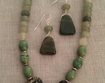 Green gemstone set