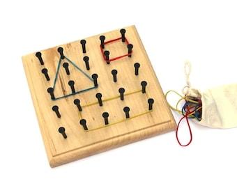 Montessori Rubber Band Geoboard - Waldorf Wooden Toy - Preschool Homeschool - Math - Peg Board