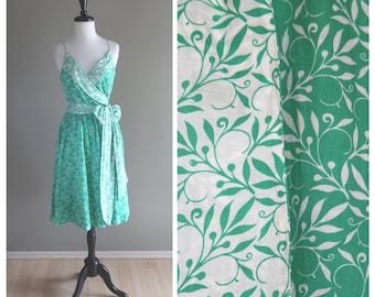 Green & White Leaf Pattern Vintage 1980s Sun Dress / Ivy Summer