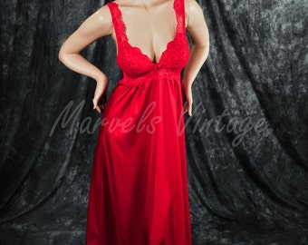 Vintage Nightgown Olga Lingerie Style 91035 Ruby Red Long Gown Padded Top Size 34 Small