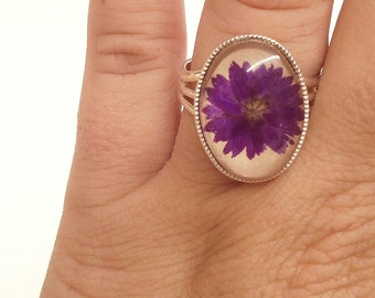 purple ring - cute rings - nature jewelry adjustable ring with natural pressed purple flower - gifting ideas -  flower glass over leather