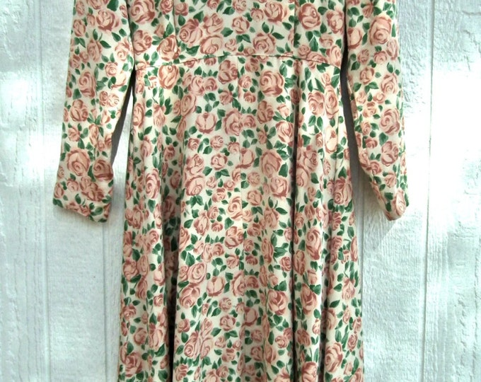 40s style dress Blossom floral dress pastel green granny  flirty dress flowy retro 40s  1940s house  classic 40s retrostyle vintagedress