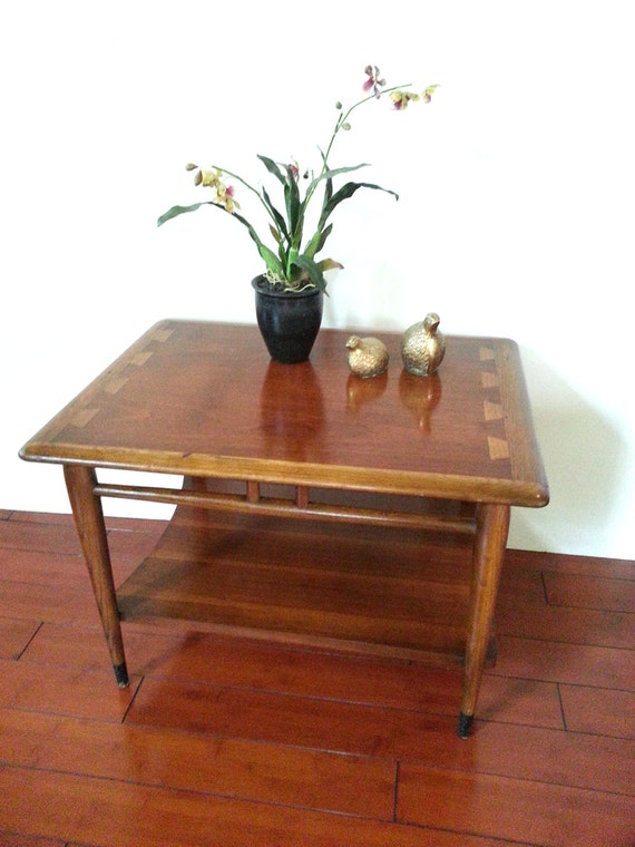lane end table mid century acclaim two tier table. Black Bedroom Furniture Sets. Home Design Ideas