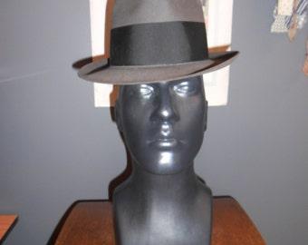 DOBB'S  7  vintage men's short brim fedora pleated grosgrain trim medium grey wool MINT
