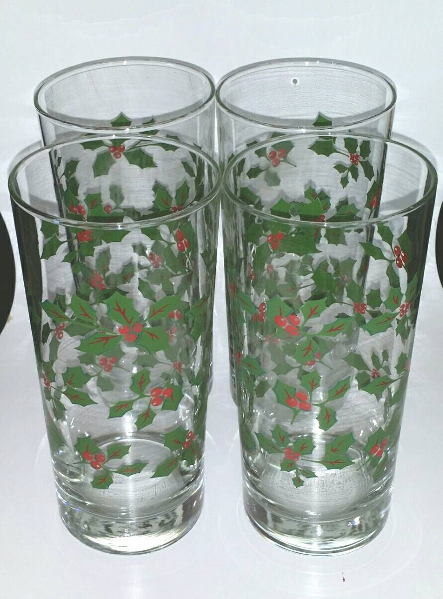 Vintage set of christmas holly holiday drinking glasses