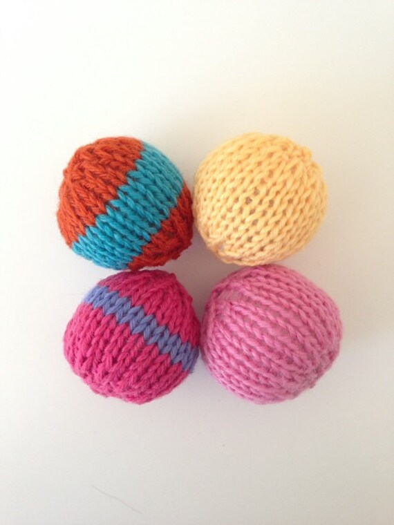 Knit Ball Toys For Cats
