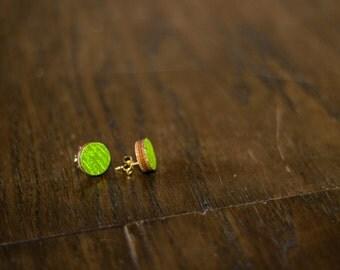 Green round earrings