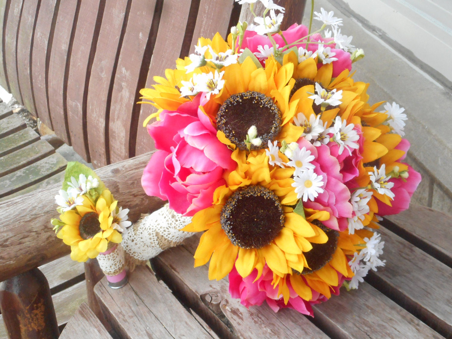 Sunflower And Pink Rose Bouquet Sunflower and Pink Peo...
