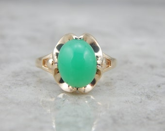 Incredible Green Chrysoprase Ring in Scalloped Gold Ring Setting 79UPK4-P