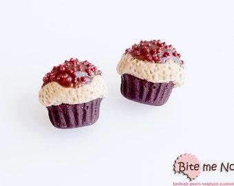 Mini Cupcakes - Polymer Clay Jewelry Tiny Cupcakes Post Earrings, Cupcake Jewelry, Fake Food, Mini Cupcakes, Cute Jewelry, Kawaii Jewelry,