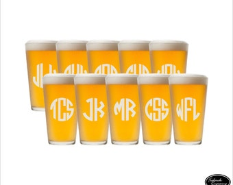 SHIPS FAST - TEN Personalized Beer Glasses, Etched Beer Glasses, Custom Beer Glasses, Engraved Beer Glasses, Groomsmen Beer Glasses