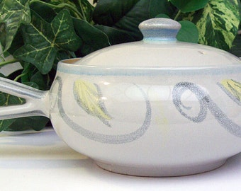 DENBY STONEWARE - Peasant Pattern - Covered Casserole Dish with Loop Handle – Two Pint – Lidded Casserole Dish -
