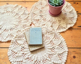 1970s Handknitted Wool Doilies / Placemats / Decorative Knitwork