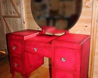 Reduced Dressing Table With Crystal Handles Statement