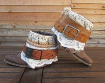 Boho boots size EU 36, recycled santiags with lace and leather belt, bronze indian feathers. Hippie, gypsy, bohemian