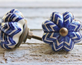 Blue And White - Zig Zag Ceramic- Scalloped Knobs-Blue Knobs-Furniture Hardware-Cabinet Knobs-Antique Brass Hardware-Autumn Fall Home Decor