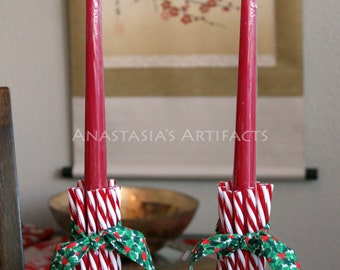 Christmas place card holder candy cane place card holder for Candy cane holder candle centerpiece