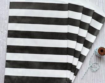 "Trendy black horizontal stripes party favor paper bags 5 x 7.5"" - Set of 20"