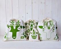 Organic Cotton Gift Bag Set Bread Bag Screen printed Hungarian Skandinavian Kalotaszeg  Deer Folk Pattern - Green