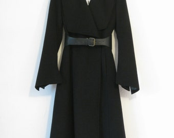 50% discount - Lightweight wool coat, very stylish.