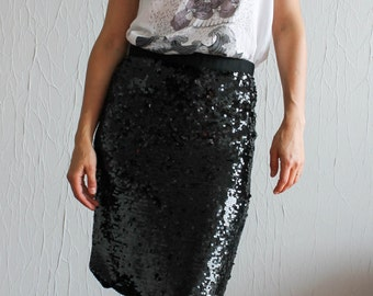 Straight skirt in black sequins