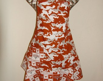 College Apron - University of Texas - Large