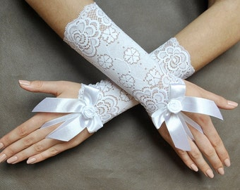 Snow White Elegant Glamour short lace GLOVES for special ocassions, bridal, WEDDING, prom