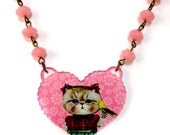 Geeky Kitsch Acrylic Vintage Style Heart shaped Cat Pink pendant Charm beaded Statement Collar Necklace