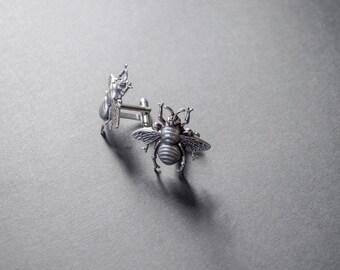 Bee Cufflinks Steampunk Cufflinks Men's Accessories Bee Gifts Antique Silver Statement Cufflinks Gifts for Him Mens Gifts
