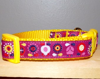 Scandinavian Flowers Dog Collar