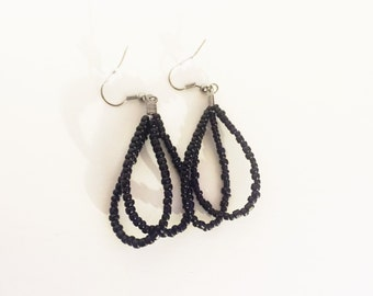 Black beaded fashion earrings - black beads - black seed bead earrings