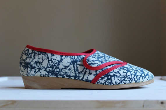 soviet vintage canvas shoes white and blue