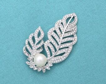 Pearl Brooch Rhinestone Pearl Brooch Wedding Dress Sash Cake Decor Silver Bridal Brooch