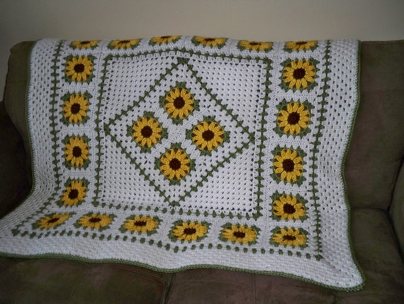 Crochet Patterns Lapghans : Crochet Pattern Sunflower Lapghan by WendisWorkbasket on Etsy