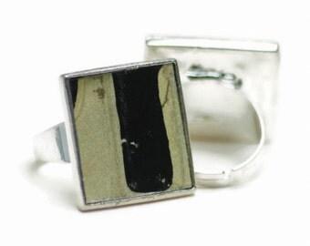 Cream Black Ring Square License Plate Letter Neutral Black White Vintage Metal Adjustable