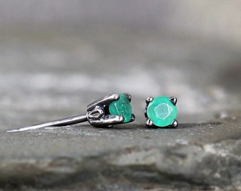 Emerald Earrings - Sterling Silver Stud Earring - 3 mm Emerald - Rustic - May Birthstone - Green Gemstone Earrings - Jewelry Made in Canada
