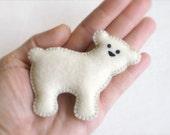 Cool ECO FELT Polar BEAR Pin, Ornament, Decor, Soft Sculpture & Toy stuffed with Organic Cotton, Vegan [ Broche: Ours Blanc / Oso Polar]
