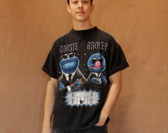 90s MEN in BLACK spoof vintage t-shirt will SMITH faded sesame street wild streetwear
