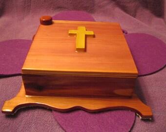 SWIVAL CEDAR JEWELRY Box-Cross