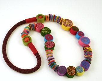 Felt necklace, Under 40, Mom gift, Grandma gift, Teacher gift, Friend gift, Felt beads necklace, Felt necklaces, Felt jewelry, Long necklace