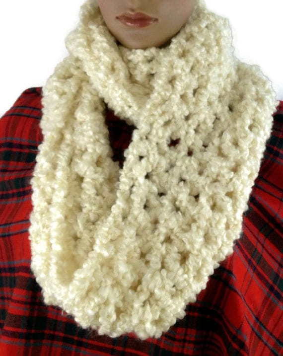 Outlander Claire Cowl Scarf White Cream Bulky Scottish Winter accessories Circle Scarf Crocheted Neckwarmer FREE SHIPPING