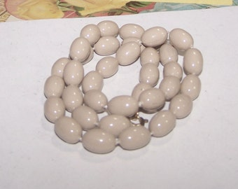 Beige Necklace / Light Brown Necklace / Bead Necklace / Bead Strand - Light Brown / Beige / Tan