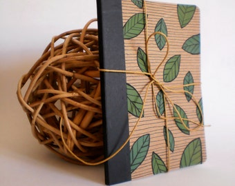 Mini notebook with leaf design