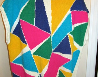 Multicolored Abstract Triangle Short Sleeved Sweater by RRRRRUSS, Size l