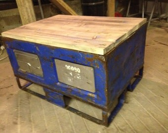 Coffee table / chest industrial (sold)