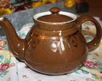 Vintage Hall brown 4 cup teapot with gold floral pattern