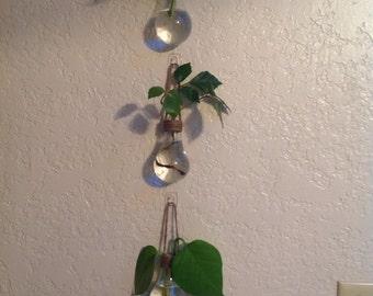 Bulk Listing 18 Lightbulb Vases.