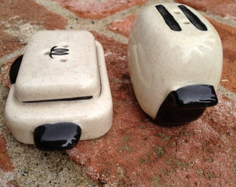 Kitchen Appliances Salt and Pepper Shakers