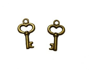 25 or 50 Zinc Alloy Antique Bronze Key Pendants Charms 15mm