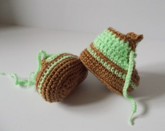 Baby high tops, trainers, booties, size 0-3 months, green & brown.